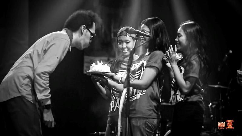 Ulangtahun Resha pada acara pensi sman 26 Jakarta spartctix